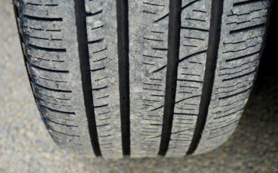 Comment démonter un pneu de voiture ?